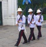 La guardia di onore, grande palazzo, Bangkok, Tailandia di re tailandese Fotografie Stock