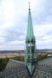La guglia della torre della st Vitus Cathedral, Praga, Ceco Republ Immagine Stock