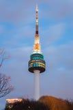 La guglia della torre di N Seoul, Corea del Sud Immagini Stock Libere da Diritti
