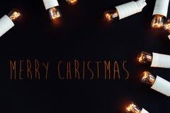 La guirnalda de oro del vintage de la Navidad única asombrosa se enciende en stylis Fotos de archivo