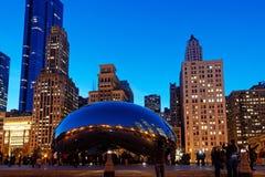 La haba en la noche, parque del milenio, Chicago Illinois, los E.E.U.U. de Chicago imagen de archivo libre de regalías