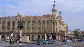 LA HABANA, CUBA - 13 DE MAYO DE 2018 - opinión panorámica de la calle del gran teatro de La Habana en la puesta del sol con los c metrajes