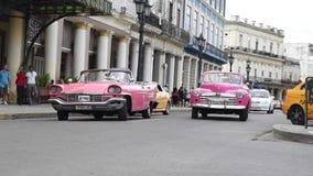 LA HABANA, CUBA - 20 DE OCTUBRE DE 2017: Havana Old Town con la gente almacen de metraje de vídeo