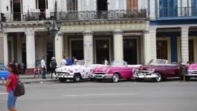 LA HABANA, CUBA - 20 DE OCTUBRE DE 2017: Havana Old Town con la gente metrajes