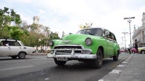 LA HABANA, CUBA - 20 DE OCTUBRE DE 2017: Havana Old Town con la gente almacen de video