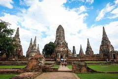 La haute esquintent dans le style de Khmer avec quatre plus petits esquinte Images stock