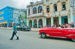 LA HAVANE, CUBA - 9 AOÛT 2016 Américain classique Ca de vintage coloré photographie stock