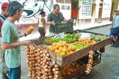 LA HAVANE, CUBA - 9 AOÛT 2016 : Support privé i de nourriture de voisinage images stock