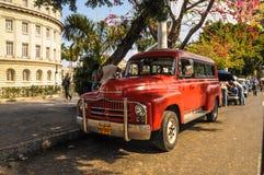 La Havane, CUBA - 20 janvier 2013 : Vieille commande américaine classique de voiture Photographie stock libre de droits