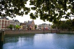 La Haya, los Países Bajos - 18 de agosto de 2015: Opinión sobre Buitenhof Imagen de archivo libre de regalías