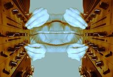 La hembra cobarde DJ reflejada modela Imagenes de archivo