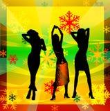 Siluetas femeninas que bailan en un disco foto de archivo libre de regalías