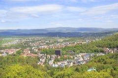 La hermosa vista de Karlovy varía, República Checa Foto de archivo libre de regalías