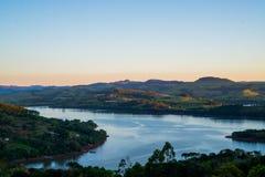 La hermosa vista de una tarde una pequeña ciudad en el Brasil llamó el ¡de Ità (Santa Catarina) Fotografía de archivo