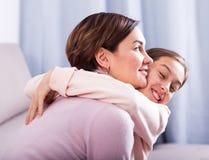 La hija pide perdón Imagen de archivo libre de regalías