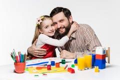 La hija y el padre que unen Fotos de archivo