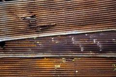 La hoja de acero aherrumbrada del cinc, allí no se aherrumbra toda la hoja que algún ningún del área todavía aherrumbrado creado  Foto de archivo libre de regalías