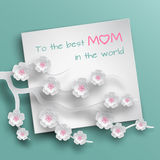 La hoja de papel en blanco cuadrada con ongratulations del  de Ñ manda un SMS adornado Imagenes de archivo