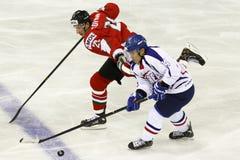 La Hongrie contre le match de hockey sur glace de championnat du monde de la Corée IIHF Photos stock