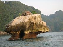 La hutte du pêcheur en Thaïlande images libres de droits