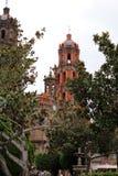 La iglesia anaranjada imagen de archivo