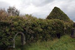 La iglesia arruina el castillo Kilcoe del nearl fotos de archivo