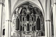 La iglesia de la iglesia del St Mary del órgano (Marienkirche) en Alexanderplatz Fotografía de archivo libre de regalías