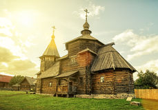La iglesia de madera rusa tradicional en Suzdal Imagenes de archivo