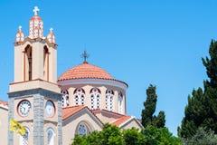 La iglesia de Panteleymon del santo en el pueblo Siana Imagenes de archivo
