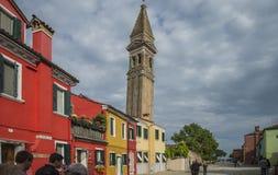 La iglesia de San Martín en Burano Imágenes de archivo libres de regalías