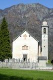 La iglesia de San Micaela en Palagnedra en el valle de Centovalli Imagen de archivo libre de regalías