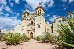 La iglesia de Santo Domingo de Guzman en Oaxaca, México fotos de archivo