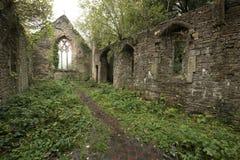 La iglesia de St Mary cerca de la abadía de Tintern Foto de archivo