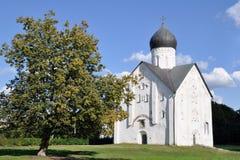 La iglesia de la transfiguración del salvador en Ilin es un templo en Veliky Novgorod, famoso por el hecho que en él Foto de archivo libre de regalías