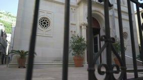 La iglesia del anuncio santo en la ciudad vieja de Dubrovnik almacen de metraje de vídeo