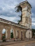 La iglesia en Angola destruyó por la guerra civil larga Foto de archivo libre de regalías