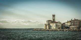 La iglesia en Piran Imágenes de archivo libres de regalías