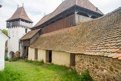 La iglesia fortificada Viscri imagen de archivo