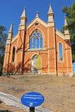 La iglesia metodista metodista (1864) era dañadísima por el fuego en 2000 y solamente la estructura básica del ladrillo y la fach Fotografía de archivo