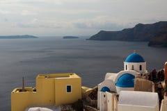 La iglesia ortodoxa en Santorini Fotografía de archivo