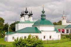 La iglesia ortodoxa en Suzdal Suzdal es una de las ciudades rusas más viejas Foto de archivo libre de regalías