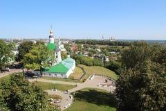 La iglesia y la vista de la ciudad de Vladimir, Rusia de la transfiguración fotos de archivo libres de regalías