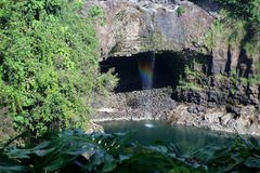 La imagen común del arco iris baja, Isalnd grande, Hawaii Fotografía de archivo