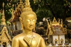 La imagen de Buda en Wat Si Muang o Simuong es un templo budista situado en Vientián, la capital de Laos Fotos de archivo libres de regalías