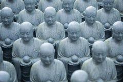 La IMAGEN de Buda le dará la paz en su corazón, statu de los monjes imagen de archivo