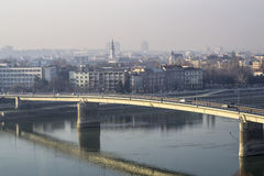 La imagen del puente del coche de la ciudad Foto de archivo