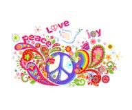 La impresión colorida de la camiseta con el símbolo de paz del hippie, volando se zambulló con la rama de olivo, las flores abstr Fotos de archivo