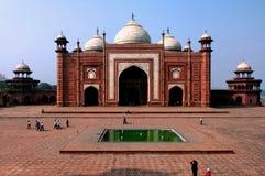 La India, Agra: Mezquita de Taj Mahal Imagen de archivo libre de regalías