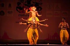La India Harmony Dance en ceremonia de inauguración en el carnaval de Harmony World Puppet Imagen de archivo libre de regalías