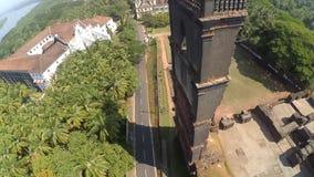 La India, ruinas del fuerte viejo de Goa Estado de Goa, la India aéreo metrajes